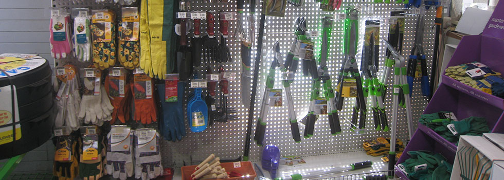 Garden accessories machinery and tools 17