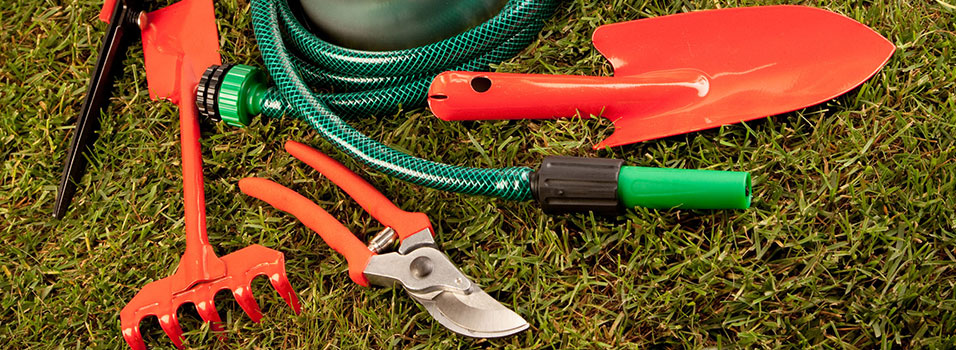 Different Landscaping Tools : Garden accessories machinery and tools brisbane
